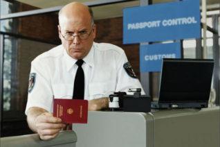 Можно ли оформить и получить загранпаспорт без военного билета?